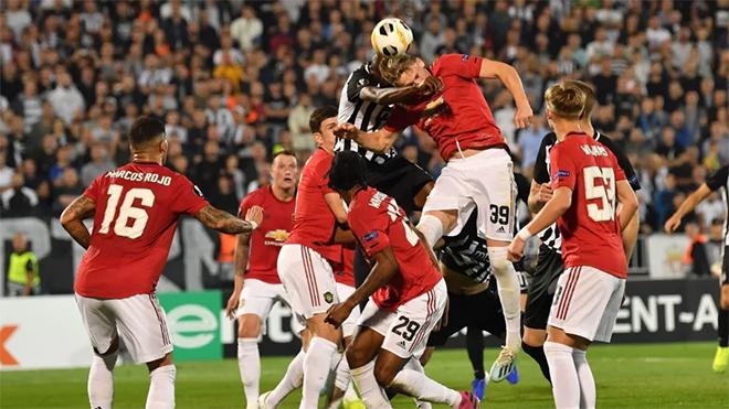 MU, kết quả MU, Ket qua bong da, kết quả bóng đá, Partizan vs MU, kết quả Partizan vs MU, kết quả cúp C2 châu Âu, Martial, MU xóa dớp sân khách, Partizan 0-1 MU