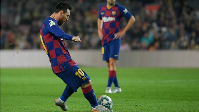 Barca 5-1 Valladolid: Messi sút phạt thần sầu, lập cú đúp bàn thắng và kiến tạo