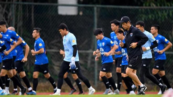 Bóng đá hôm nay 16/11: Thái Lan thuê sân tập riêng ở Việt Nam. Messi nổ súng hạ Brazil