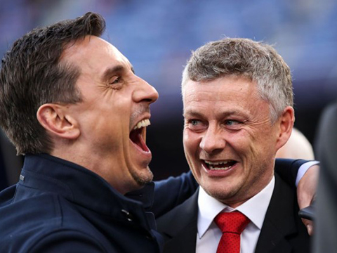 Ole Solskjaer đáp trả Gary Neville, tuyên bố thua Liverpool là 'một bước tiến'