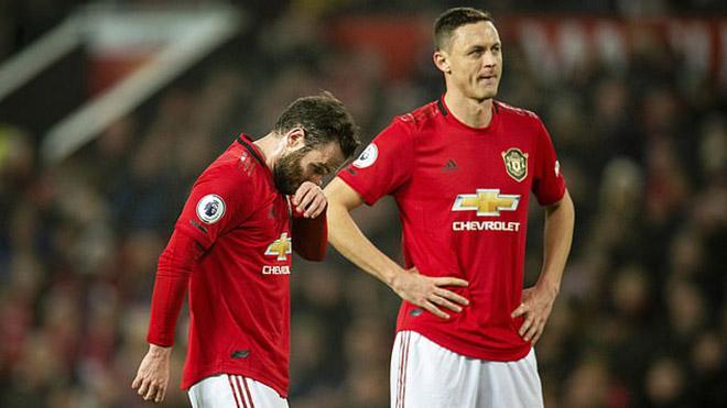 MU nuông chiều cầu thủ sau trận thua thảm Burnley