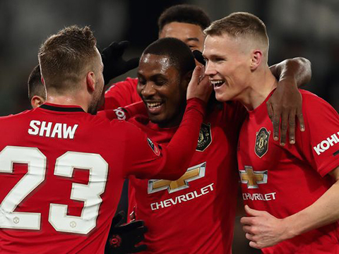 Máy tính dự đoán kịch bản Ngoại hạng Anh: Liverpool vô địch, MU lọt Top 4