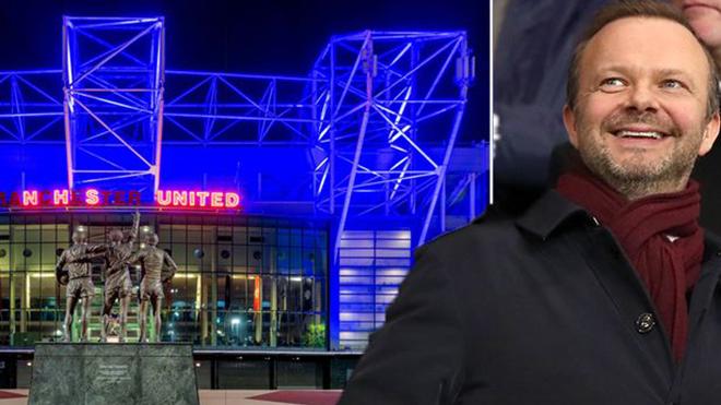 Sân Old Trafford chuyển xanh: Quyết định tuyệt vời nhất của Ed Woodward tại MU