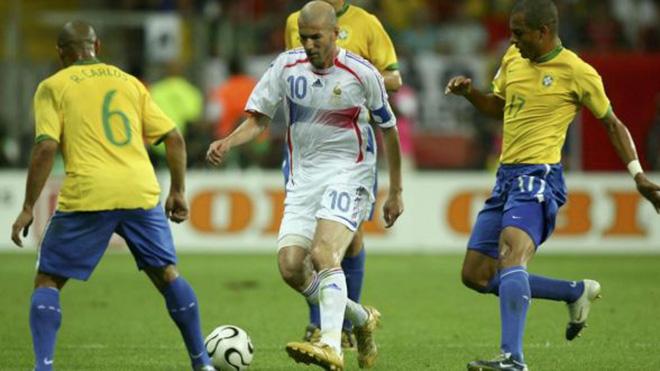 Zidane thể hiện tuyệt kỹ, làm mất mặt 'tứ đại danh thủ' của Brazil