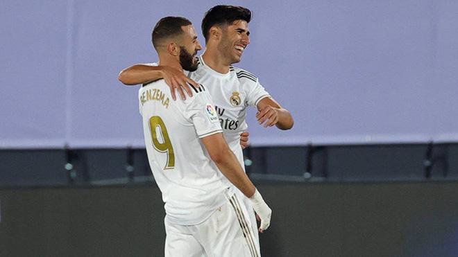 Real Madrid 2-0 Alaves: Lại thắng nhờ penalty và VAR, Real tiến sát ngôi vương