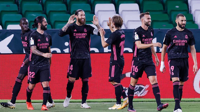 Real Betis 2-3 Real Madrid: Ba điểm kịch tính, Real Madrid thắng nhọc nhờ VAR