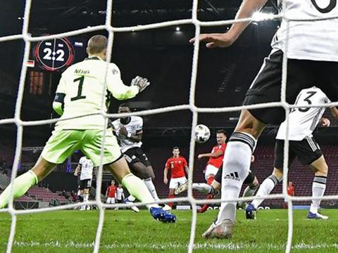 Manuel Neuer mắc lỗi khiến Đức hòa Thụy Sĩ sau cuộc rượt đuổi tỉ số