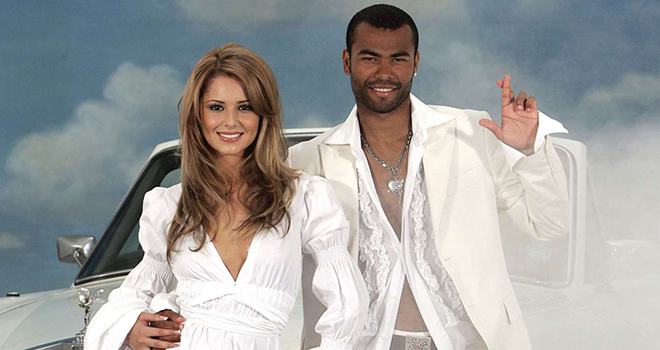 Bong da, Tin tức bóng đá, WAGs, Beckham, Victoria, Shakira, Pique, De Gea, vợ và bạn gái cầu thủ, bóng đá Anh, bóng đá Tây Ban Nha, người mẫu, ca sĩ, diễn viên, MU, Barca