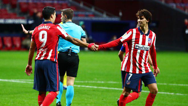 'Súng hai nòng' Suarez-Felix nâng bước Atletico