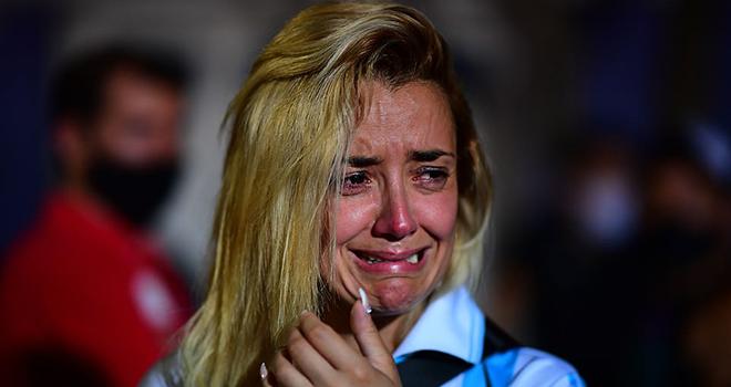 Maradona, Đám tang Maradona, tang lễ Maradona, Diego Maradona qua đời, Maradona chết, bóng đá Argentina, CĐV ẩu đả với cảnh sát, tin tức bóng đá hôm nay