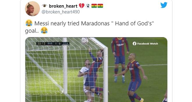 Messi, Maradona, Barcelona, Messi suýt tái hiện 'Bàn tay Chúa' của Maradona, Barcelona vs Osasuna, La Liga, Bàn tay của Chúa, Messi ghi bàn bằng tay, Lionel Messi