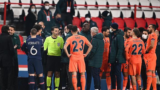 UEFA sẽ đưa trọng tài