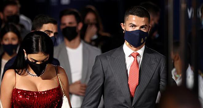 Ronaldo, CR7, Bạn gái Ronaldo, Georgina Rodriguez, Cầu thủ hay nhất thế kỷ, Bạn gái Ronaldo gợi cảm, Lễ trao giải Globo Soccer, Cristiano Ronaldo, Ronaldo và bạn gái