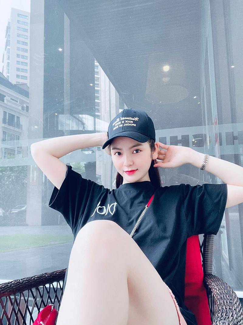 Bạn gái Quang Hải liên tục bị dân mạng tấn công khiếm nhã