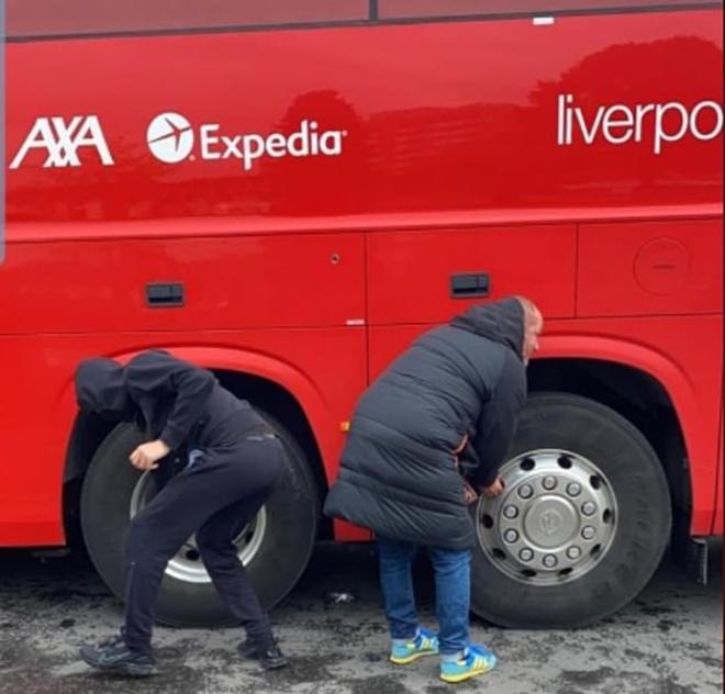 MU vs Liverpool, CĐV MU biểu tình, Kết quả Ngoại hạng Anh, BXH Ngoại hạng Anh, kết quả MU vs Liverpool, video MU vs Liverpool, CĐV MU xịt lốp xe bus Liverpool, MU, CĐV MU
