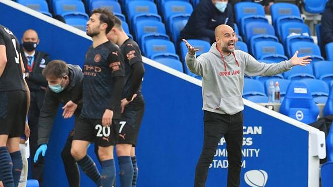 Brighton 3-2 Man City: Chơi thiếu người, Man City thua ngược dù dẫn 2 bàn
