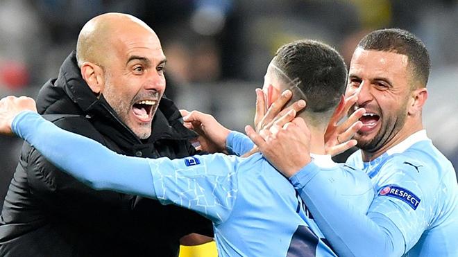 Guardiola tranh thủ 'đá đểu' MU khi Man City vào Chung kết C1