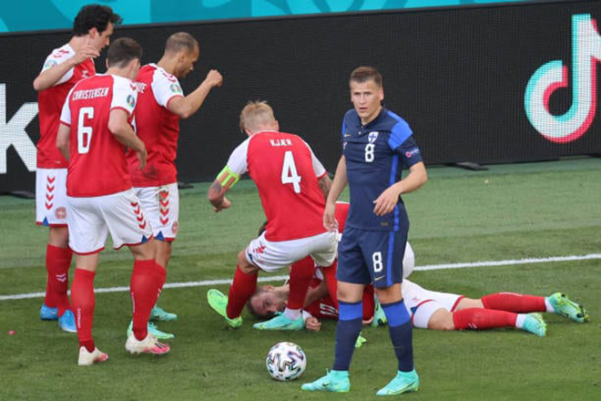 Eriksen, Christian Eriksen, Eriksen bất tỉnh, Eriksen đột quỵ, Eriksen chấn thương, Đan Mạch vs Phần Lan, vtv6, vtv3, trực tiếp bóng đá, truc tiep bong da