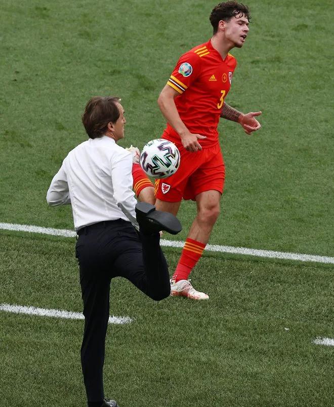 Lịch thi đấu EURO 2021. Lịch EURO 2021. Lịch trực tiếp bóng đá EURO 2021 hôm nay trên VTV6, VTV3:Ukraine vs Áo,Bắc Macedonia vs Hà Lan, Nga vs Đan Mạch,Phần Lan vs Bỉ.