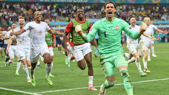 CĐM dùng Ronaldo 'troll' Mbappe, phát hiện điều đặc biệt ở tuyển Thụy Sĩ