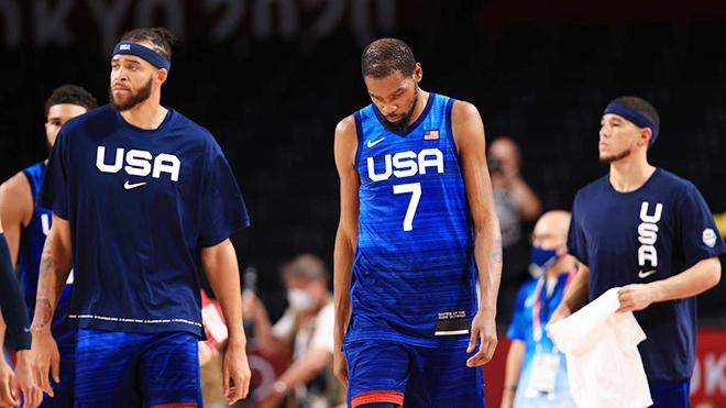 Tin Olympic 26/7: Bóng rổ Mỹ thua trận đầu sau 17 năm. Hai anh em ruột cùng giành HCV