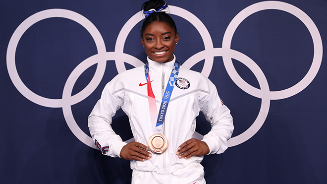 Simone Biles trở lại, giành HCĐ Olympic Tokyo để lập kỷ lục
