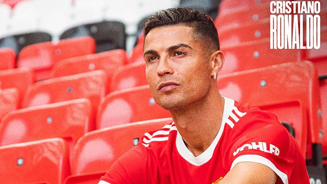 Nhóm nữ quyền ngăn Ronaldo ra mắt MU