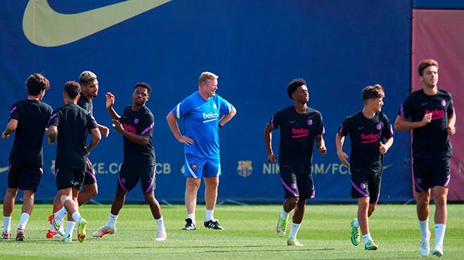 Barcelona, Chuyển nhượng Barcelona, Barcelona họp bàn việc sa thải HLV Koeman, Koeman, Ronald Koeman, tương lai Koeman, kết quả Barcelona vs Bayern Munich, Cúp C1, Barca