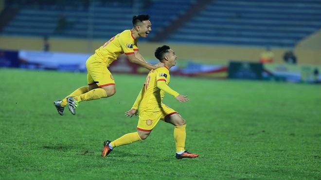 VIDEO clip highlight: Khánh Hòa đánh bại Nam Định tại Thiên Trường