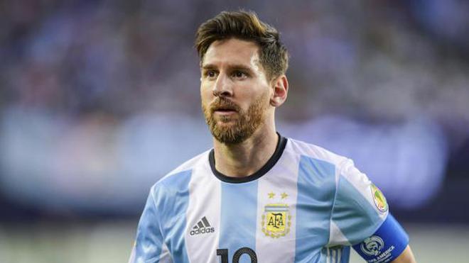 Leo Messi bất ngờ được FIFA hủy án treo giò 4 trận