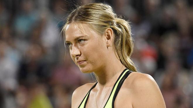 Tennis ngày 10/5: Sharapova nhận vé đặc cách thứ 4 trong năm. Djokovic gặp nạn tại Tây Ban Nha