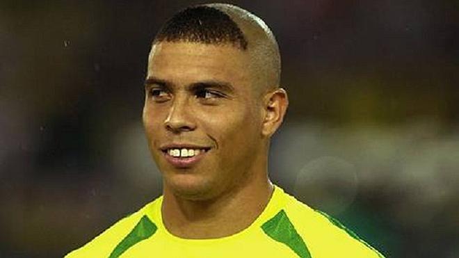 Ronaldo 'béo': 'Nếu có vợ ngon như vợ của Figo, đêm nào tôi cũng ở nhà!'