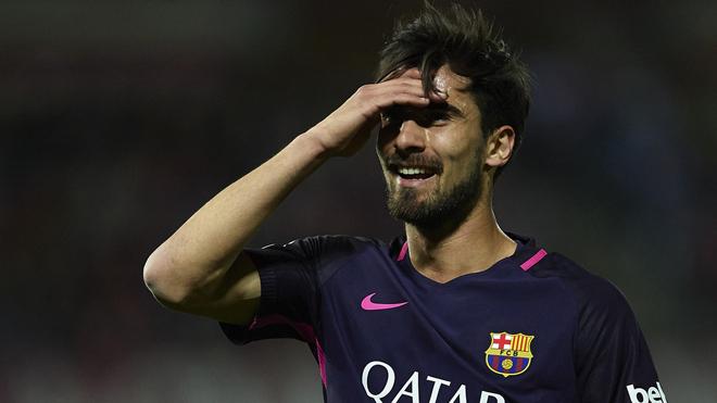 Barca giờ chỉ mong bán Andre Gomes được giá