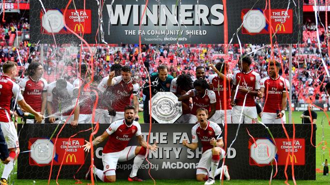 Arsenal có liền 3 cúp trước mùa giải, Wenger tin sẽ vô địch Premier League mùa này