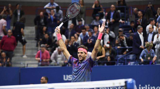 Federer: 'Tôi không có cơ hội vô địch năm nay. Tốt hơn hết là nên dừng lại'