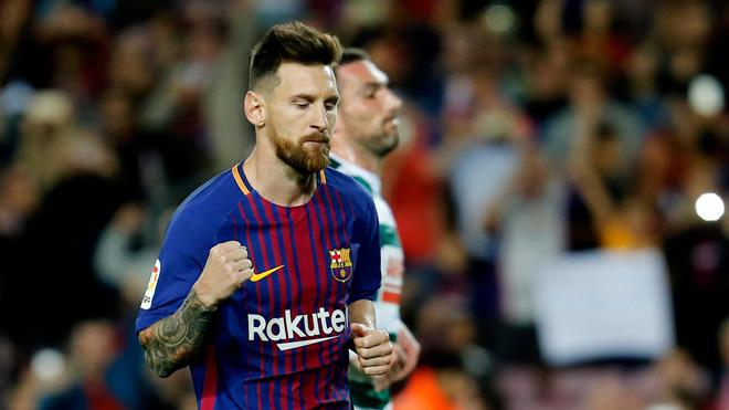 'Ronaldo sẽ cần rất nhiều penalty để đuổi kịp Messi lúc này'