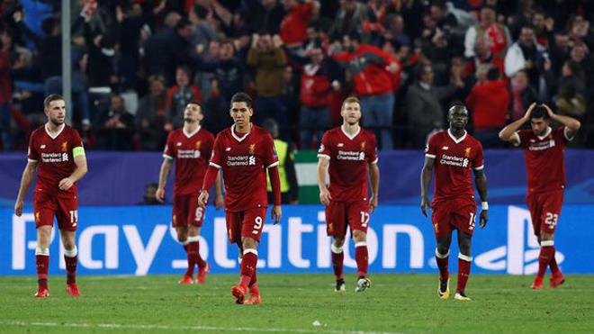 Juergen Klopp thẫn thờ: 'Liverpool đã ngừng chơi bóng ở hiệp 2'