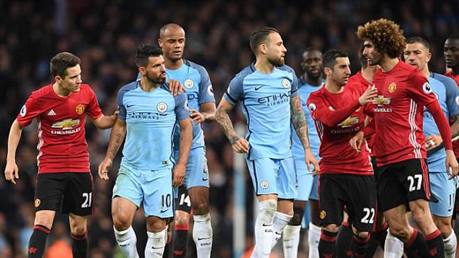 Gặp M.U ở derby, Man City sẽ phải... ngước nhìn