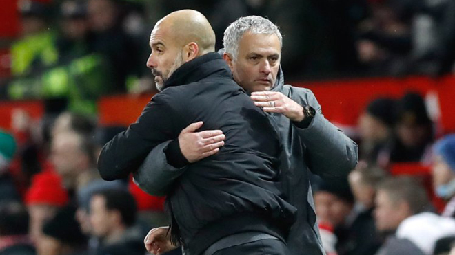 Guardiola 'phản pháo' Mourinho khi Man City bị tố được trọng tài thiên vị