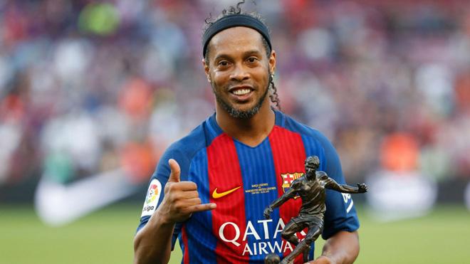 Ronaldinho chính thức giải nghệ ở tuổi 37: Tạm biệt 'rô vẩu' huyền thoại