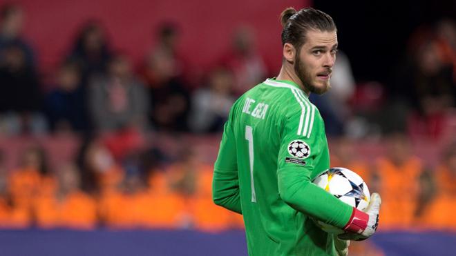 CHUYỂN NHƯỢNG 25/2: De Gea ra yêu sách để ở lại M.U. Chelsea tính gây sốc với Louis van Gaal