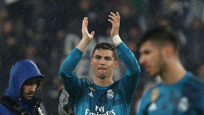 Ronaldo cảm ơn fan...Juve, Zidane xoa đầu, vẩy tay vì sốc trước siêu phẩm 'xe đạp chổng ngược'