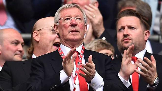 Sir Alex Ferguson nhập viện vì xuất huyết não, cả thế giới bóng đá sốc và cầu nguyện