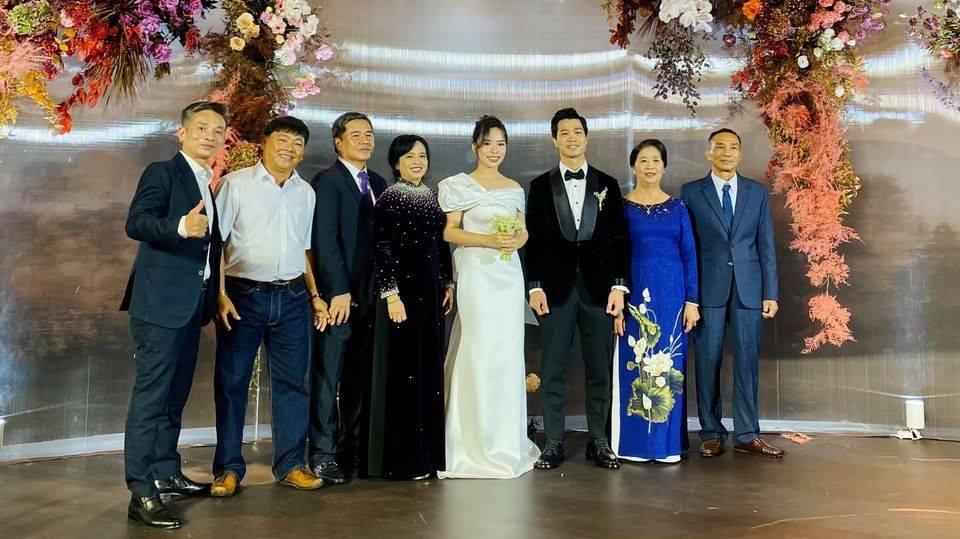 Nc247info tổng hợp: Quang Hải, Văn Hậu rạng ngời trong đám cưới Công Phượng