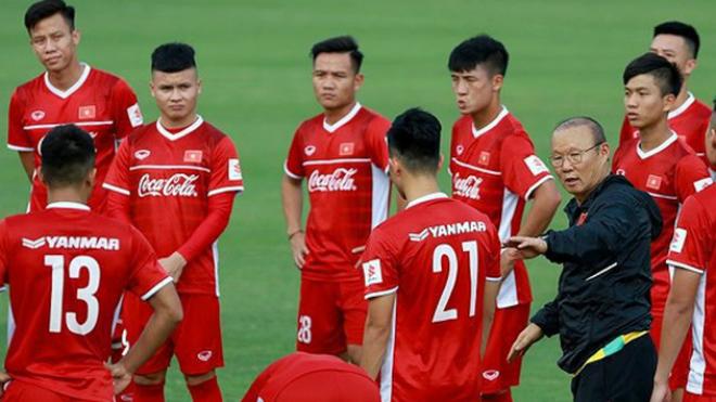 HLV Park tiết lộ lý do loại Thanh Trung, tuyển Việt Nam bầu ban cán sự