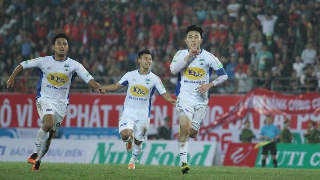 Xuân Trường lập 'siêu phẩm' đá phạt, HAGL vẫn bại trận trước Sài Gòn FC