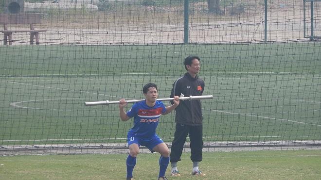 Công Phượng, Xuân Trường 'tái mặt' với bài thể lực của HLV Park Hang Seo