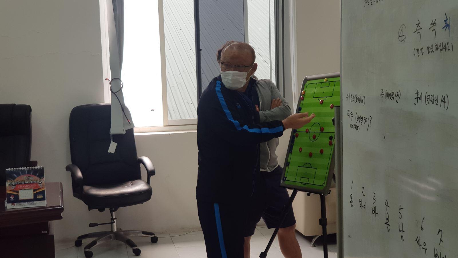 Bóng đá Việt Nam hôm nay: HLV Park Hang Seo đau đầu tìm tiền đạo cho tuyển Việt Nam