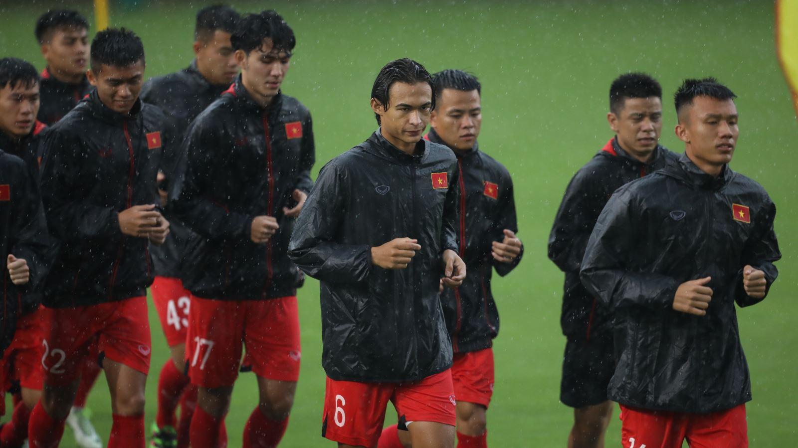 Bóng đá Việt Nam hôm nay: U22 Việt Nam thi đấu nội bộ. CLB TPHCM kháng án