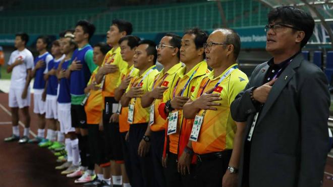 HLV Park Hang Seo day dứt vì tạo áp lực lên U23 Việt Nam, Quang Hải mất ngủ vì đá hỏng 11m